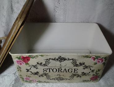 French Storage Tin with HP Roses - Interior