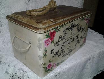 French Storage Tin with HP Roses - Side View