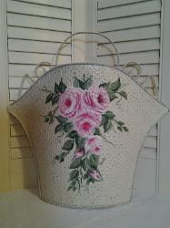 HP Wall Pocket with roses