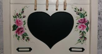 Decorative Heart Memo Chalkboard with HP Roses - Up Close
