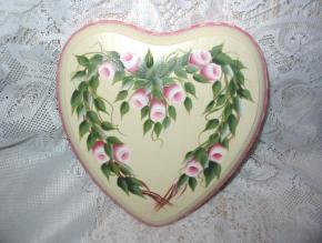 Heart Wreath Plaque with HP Roses