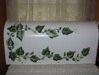 Ivy on White (b/g) Mailbox