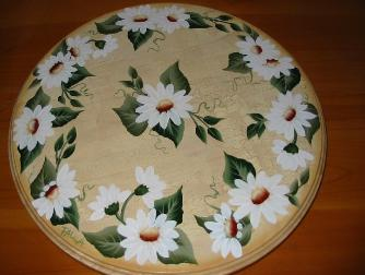 White Daisies on Antique Crackle (b/g) Lazy Susan