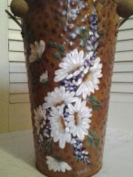 Haand Painted Rustic Bucket with Daisies up close