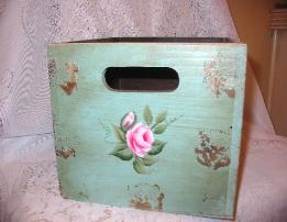 Shabby Box with HP Roses - Large/side1